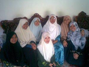 rindu sama umi angkat-Us Hachinah..this pic was taken ms kitorng wat gathering student Medic Mesir Kelantan..