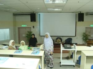 dalam dewan seminar-Kak Irhaam,Ain,Aisyah and Sha